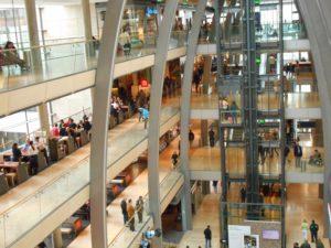 Hamburg - Begegnung im Europa Center