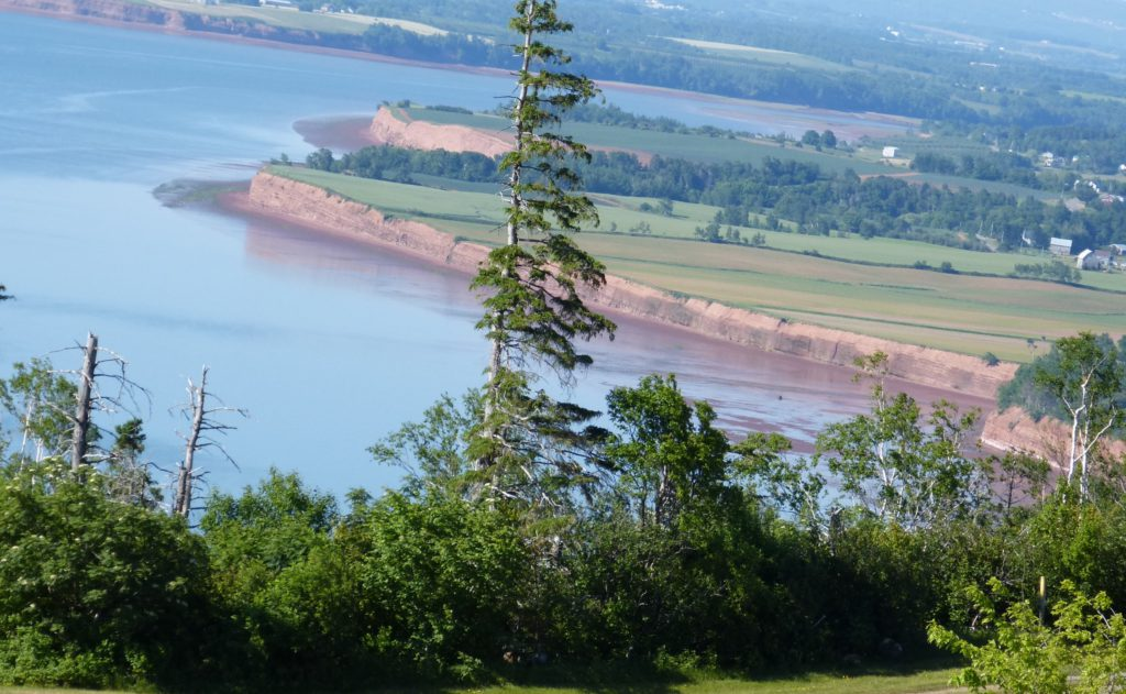 Aussicht vom Blomidon Provincial Park  - Bay of Fundy bei Flut