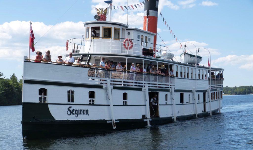 Gravenhurst_das Schiff Segwun auf dem Muskoka Lake